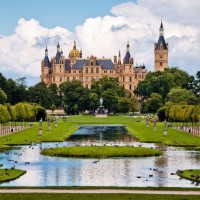 Gorgeous Schwerin Castle discovered with HiVino