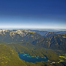 View from the Zugspitze to the Eibsee - discover Germany with HiVino