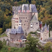 Eltz Castle – the castle on the banknote