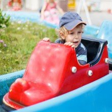 Happy little boy - discover the amusement parks in Germany with HiVino