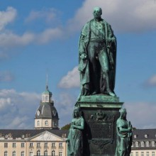 impressive statue in Karlsruhe Palace and Gardens - HiVino