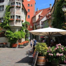 Beautiful inner city of Meersburg - HiVino