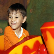 Fun in the Sensapolis indoor amusement park - with HiVino