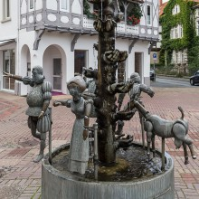"""The """"Kanzlerbrunnen"""" in Lemgo - discover Germany with HiVino"""