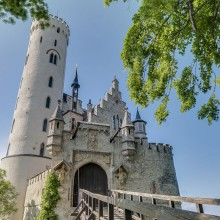 Discover the beautiful Lichtenstein Castle with HiVino