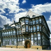 Beautiful half-timbered houses in Goslar - discovered with HiVino