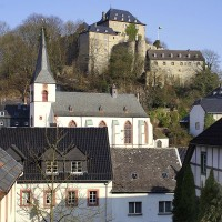 Blankenheim - medieval town with an imposing castle - HiVino