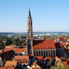 View down to Landshut from Trausnitz Castle - HiVino