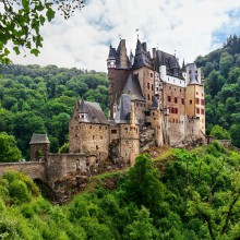Eltz Castle – discovered while hiking – HiVino