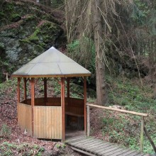 Forest lodge hiking trail Ehrbachklamm – discovered with HiVino