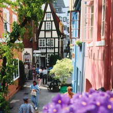 the Schnoor a charming district in Bremen´s centre discovered with HiVino