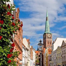 Beautiful inner city of Lübeck - HiVino