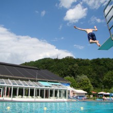 Refreshing outdoor pool in Waldbreitbach the Wiedtalbad, discovered with HiVino