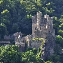 Wonderful Rheinstein castle discovered with HiVino