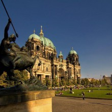 majestic Berlin dom in summer discovered with HiVino